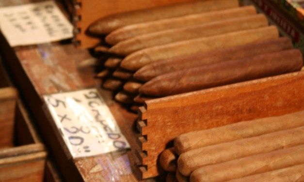 "Luxe Beat Exclusive: Interview with ""Cigar Czar"" Richard Carleton Hacker"