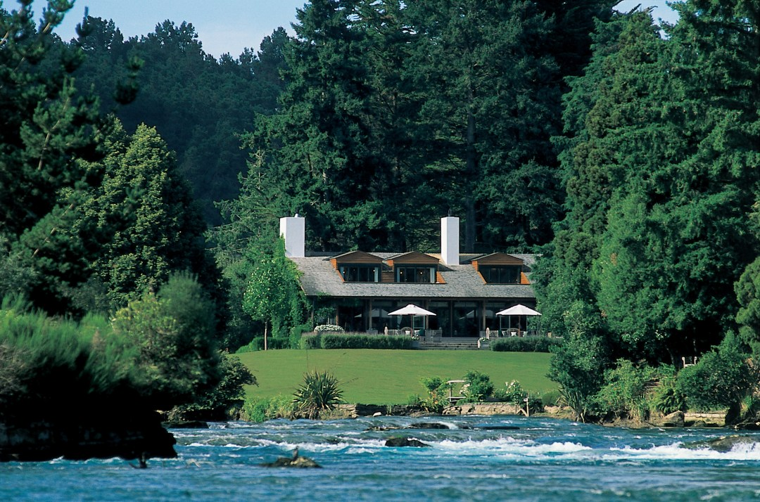 ACD16-Huka-Lodge-Lake-Taupo-Huka-Lodge