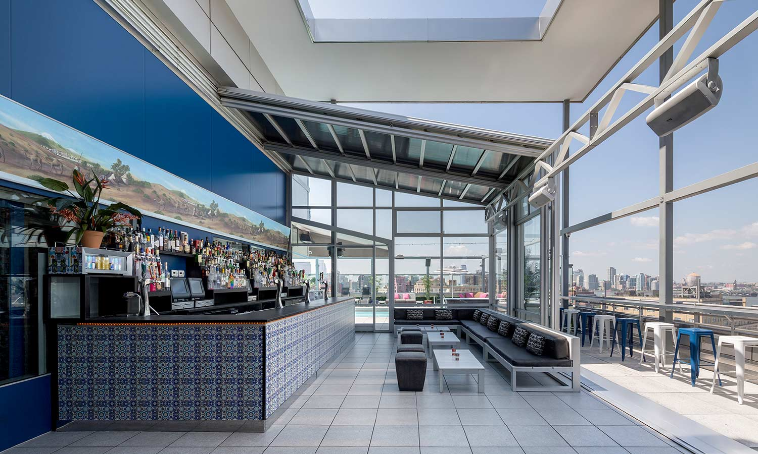 Rooftop dining al fresco luxe beat magazine for Rooftop bar and terrace