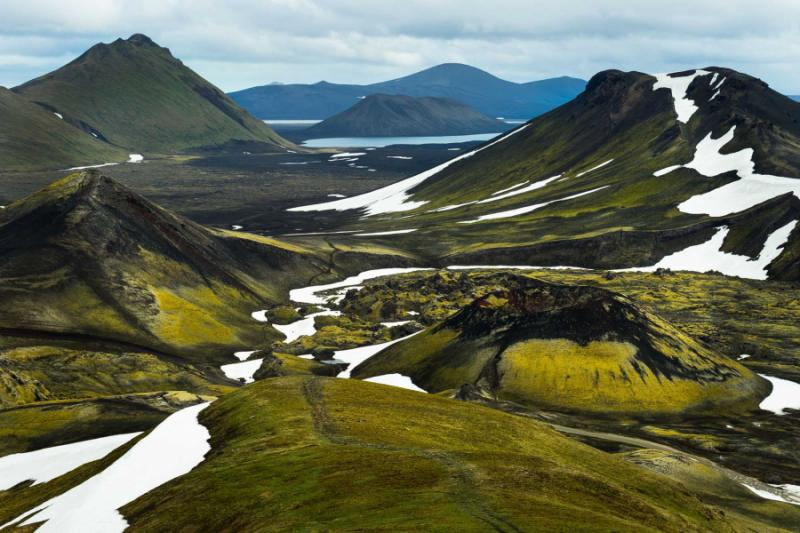 great_view_of_highlands_from_mountain_beside_lake_frostastadavatn_near_the_famous_landmannalaugar._crater_and_rhyolite_mountains._beautiful_landscape_of_