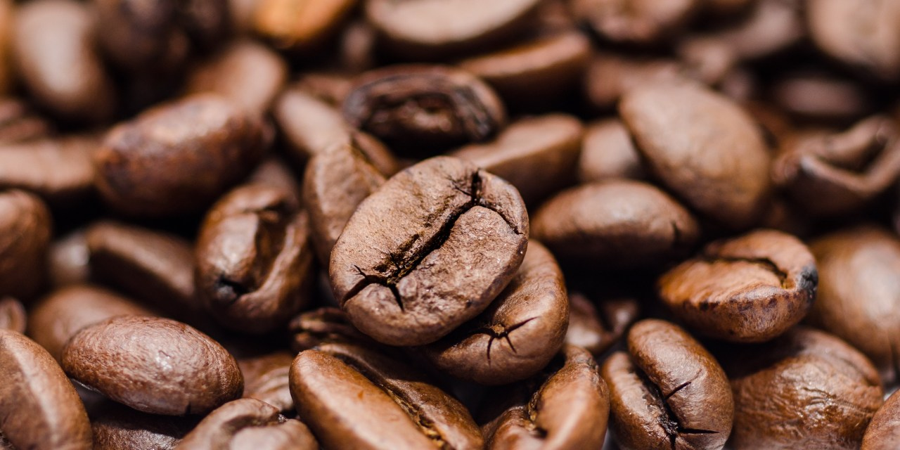 High-Flying Caffeine: Coffee Served on 44 Airlines Around The World [Infographic]