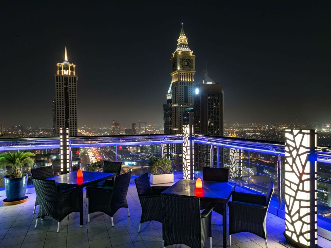 Level 43 Sky Lounge, Four Points Hotel