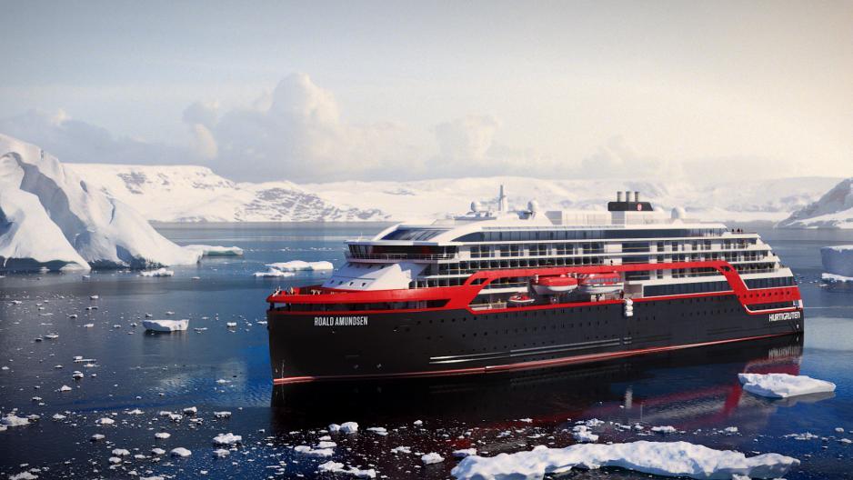 Hurtigruten ships arctic