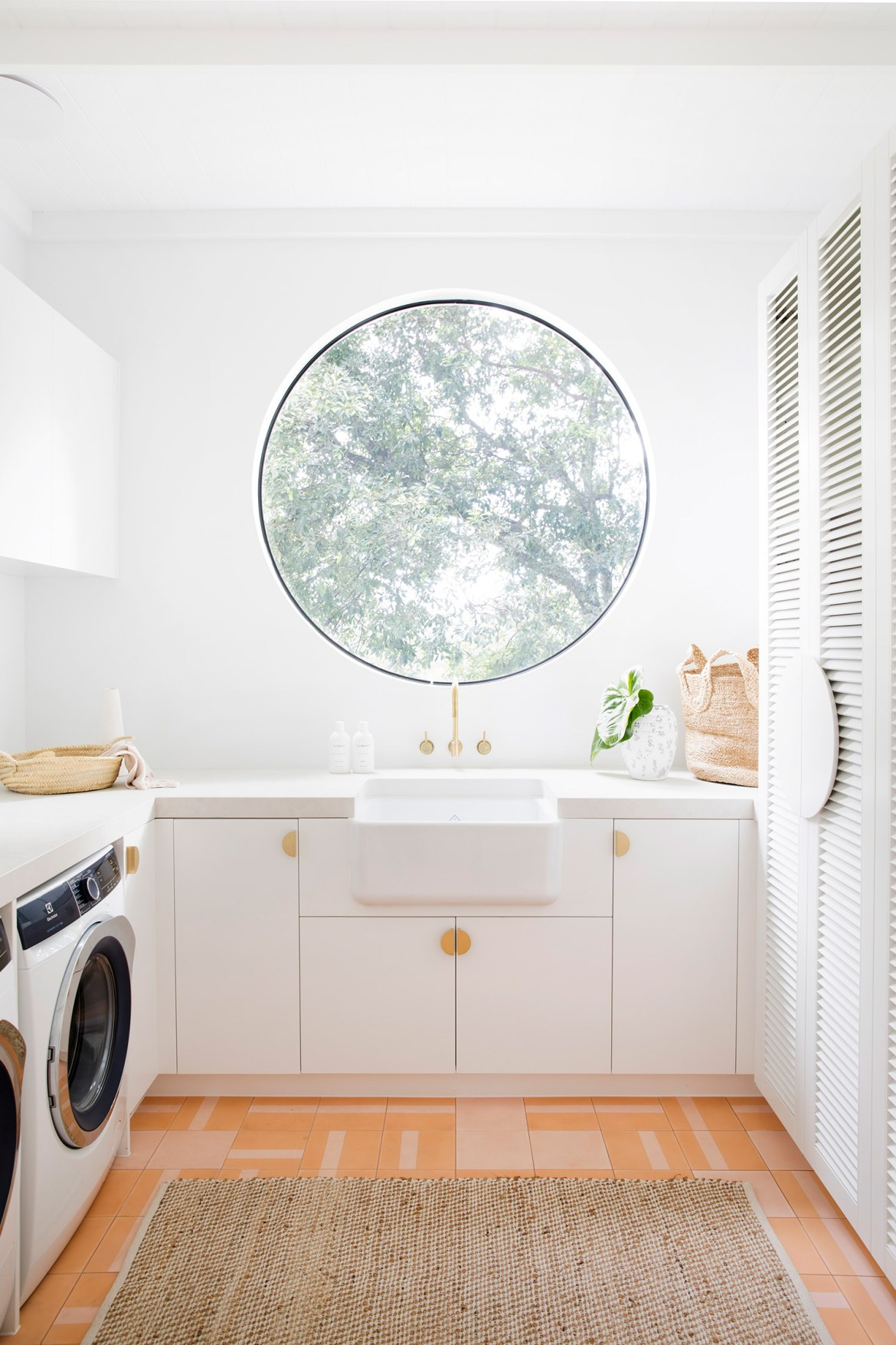 Shaws Lancaster 24 fireclay butler sink available through Reece stores Australia. Imported and distributed by Luxe by Design, Brisbane. Laundry by 3 Birds Renovations.