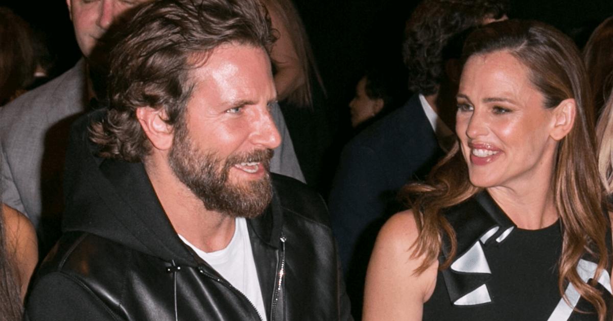 Jennifer Garner and Bradley Cooper relaxed together