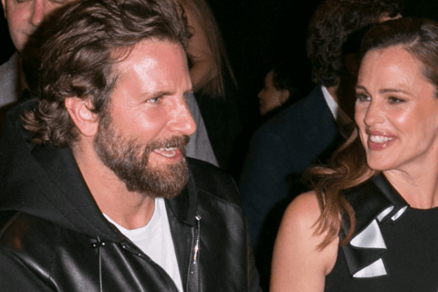 Jennifer Garner and Bradley Cooper relaxed together