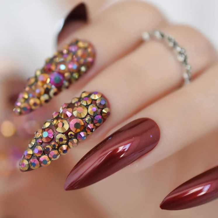 Bright monochrome manicure with rhinestones