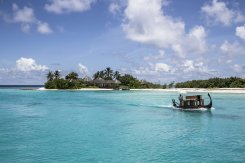 LuxeGetaways_Four-Seasons-Private-Jet_Maldives