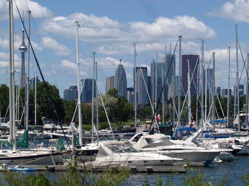 LuxeGetaways - Luxury Travel - Luxury Travel Magazine - Luxe Getaways - Luxury Lifestyle - Digital Travel Magazine - Travel Magazine - 10 Reasons To Visit Toronto Canada - Marina