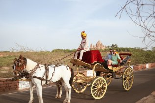 LuxeGetaways - Luxury Travel - Luxury Travel Magazine - Luxe Getaways - Luxury Lifestyle - Digital Travel Magazine - Travel Magazine - A Touch of Tajness by TAJ Hotels, Resorts and Palaces - Horse carriage
