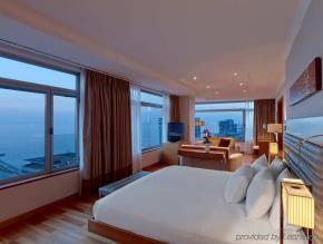 LuxeGetaways | Courtesy Hilton Diagonal Mar Barcelona - Room