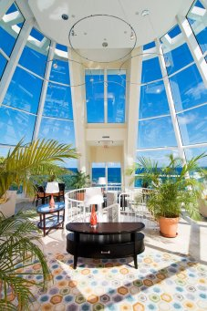 LuxeGetaways Magazine | Oyster Bay Beach Resort 4