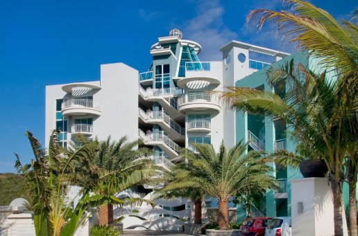 LuxeGetaways Magazine | Oyster Bay Beach Resort 3