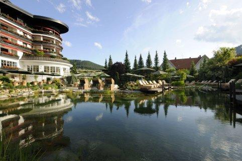 LuxeGetaways_Courtesy-Hotel-Bareiss_Views