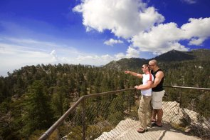 LuxeGetaways | Photography Courtesy Palm Springs Tourism - Tram