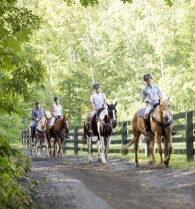 Omni_Homestead_LuxeGetaways_Horseback-Riding