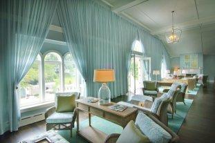 Omni_Homestead_LuxeGetaways_Spa-Lounge
