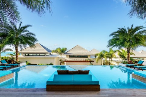 LuxeGetaways-XOJET_Zemi-Beach-House_7