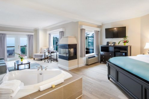 LuxeGetaways - Luxury Travel - Luxury Travel Magazine - Luxe Getaways - Luxury Lifestyle - Canada Luxury Resort - Villa Eyrie - Hotel Room - Suite