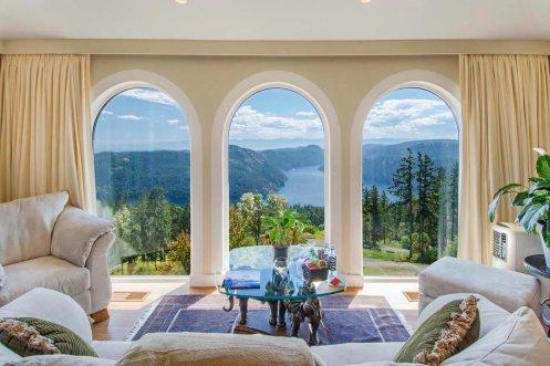 LuxeGetaways - Luxury Travel - Luxury Travel Magazine - Luxe Getaways - Luxury Lifestyle - Canada Luxury Resort - Villa Eyrie - Penthouse