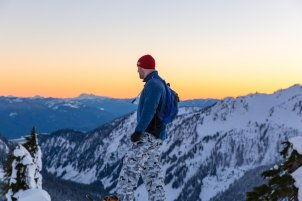 sunset-snowshoeing-1