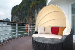 LuxeGetaways - Luxury Travel - Luxury Travel Magazine - Luxe Getaways - Luxury Lifestyle - Paradise Elegance Vietnam - River Cruise - lounge