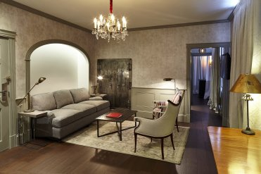 LuxeGetaways - Luxury Travel - Luxury Travel Magazine - Celebrate Canada - Canada Anniversary - Canada Travel Guide - Toronto Guide - Vancouver Guid - Montreal Guide - Maison Hunt Suite - Hunt House