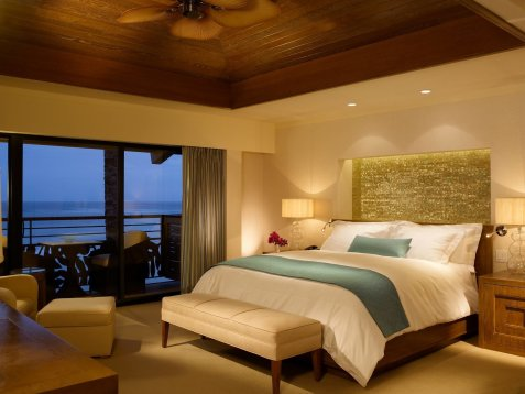 LuxeGetaways - Luxury Travel - Luxury Travel Magazine - Romantic Travel Getaways - Hawaii - Koa Kea Hotel - Ocean front room