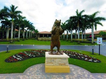 new-bear-statue-at-pga-national