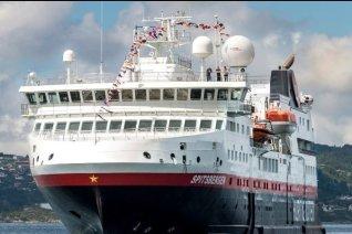 LuxeGetaways - Luxury Travel - Luxury Travel Magazine - Canada - Hurtigruten Spitsbergen