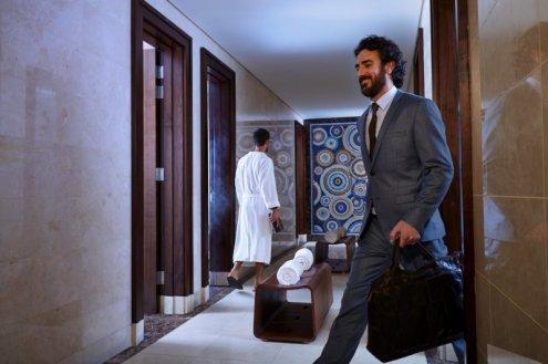 LuxeGetaways_emirates_dubai_lounge_luxury-travel