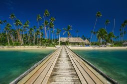 LuxeGetaways_Wavi-Island_luxury-Fiji-villa_boardwalk