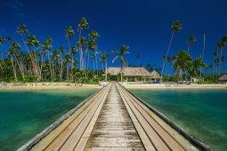 LuxeGetaways_Wavi-Island_luxury-Fiji-villa_boardwalk