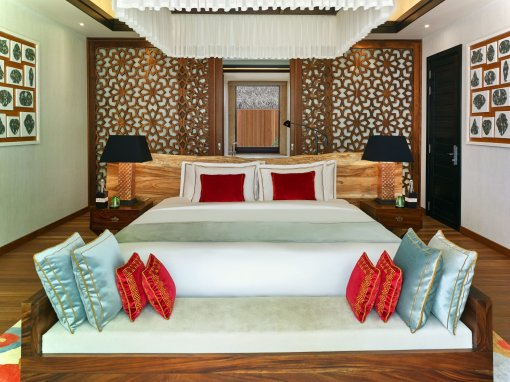 LuxeGetaways_Jumeirah-Vittaveli_Royal-Residence_Bedroom