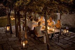LuxeGetaways - Luxury Rental Villa - Villa Monteverdi - Patio Dining
