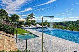 LuxeGetaways - Luxury Travel - Luxury Travel Magazine - Luxury Rental Villa - Luxury Villas - Villa Amagioia - Luxury Pool