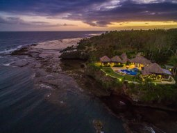 LuxeGetaways_Wavi-Island_luxury-villa-fiji-sunset