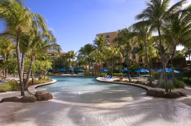 LuxeGetaways - 25 Poolside Experiences - Luxury Hotel Pools - Hilton Aruba - Active Pool