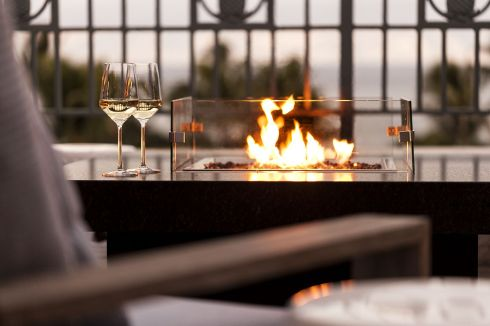 LuxeGetaways - Luxury Travel - Luxury Travel Magazine - Luxe Getaways - Luxury Lifestyle - The Ritz Carlton Kapalua - Maui - Hawaii - Luxury Hotel Maui - fire pit