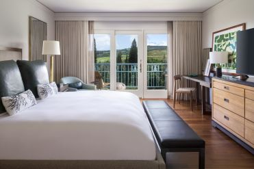 LuxeGetaways - Luxury Travel - Luxury Travel Magazine - Luxe Getaways - Luxury Lifestyle - The Ritz Carlton Kapalua - Maui - Hawaii - Luxury Hotel Maui - bedroom
