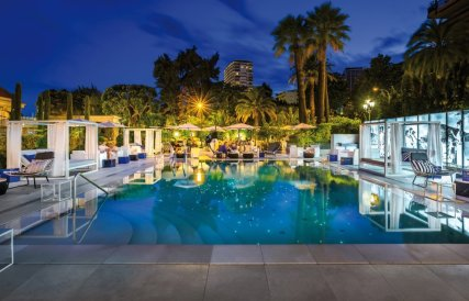 LuxeGetaways - 25 Poolside Experiences - Luxury Hotel Pools - Hotel Metropole
