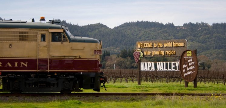 LuxeGetaways - Luxury Travel - Luxury Travel Magazine - Luxe Getaways - Luxury Lifestyle - Luxury Villa Rentals - Affluent Travel - Napa Valley Wine Train - Quattro Vino Tours - Napa Valley - California - Dinner Train