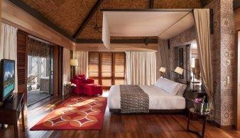 LuxeGetaways - Luxury Travel - Luxury Travel Magazine - Luxe Getaways - Luxury Lifestyle - St Regis Bora Bora - Starwood Bora Bora - Marriott Bora Bora - Overwater Villa - bedroom