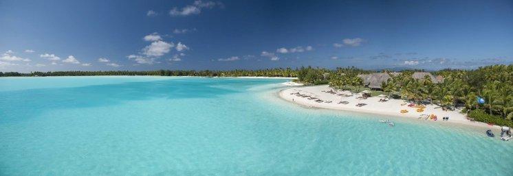 LuxeGetaways - Luxury Travel - Luxury Travel Magazine - Luxe Getaways - Luxury Lifestyle - St Regis Bora Bora - Starwood Bora Bora - Marriott Bora Bora - Overwater Villa - beach