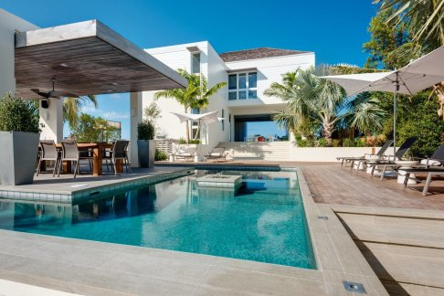 LuxeGetaways - Luxury Travel - Luxury Travel Magazine - Luxe Getaways - Luxury Lifestyle - Luxury Villa Rentals - Affluent Travel - The Dunes by Grace Bay Club - Turks and Caicos - Pool