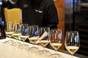 LuxeGetaways - Luxury Travel - Luxury Travel Magazine - Luxe Getaways - Luxury Lifestyle - Wine Tastings - Winery - Northern Virginia Wineries