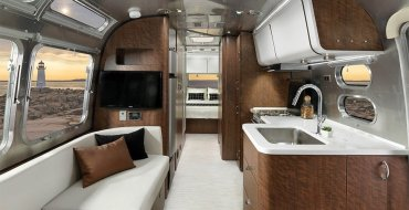 LuxeGetaways - Luxury Travel - Luxury Travel Magazine - Luxe Getaways - Luxury Lifestyle - Airstream Globetrotter - luxury travel trailer - 100K Trailer - Glamping