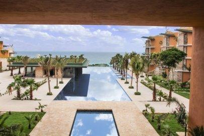 LuxeGetaways - Luxury Travel - Luxury Travel Magazine - Luxe Getaways - Luxury Lifestyle - Fall/Winter 2017 Magazine Issue - Digital Magazine - Travel Magazine - Xcaret Hotel - Cancun Mexico