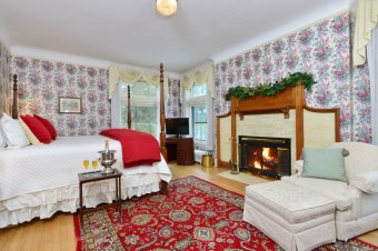 LuxeGetaways - Luxury Travel - Luxury Travel Magazine - Luxe Getaways - Luxury Lifestyle - Wilburton Inn - Manchester Vermont - Luxury Historic Inn