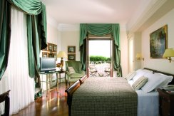 LuxeGetaways - Luxury Travel - Luxury Travel Magazine - Luxe Getaways - Luxury Lifestyle - Italy Feature - Italy - Hotel Mediterraneo